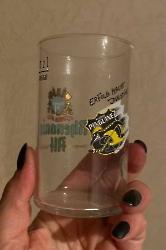 Tassen, Becher, Gläser und Krüge